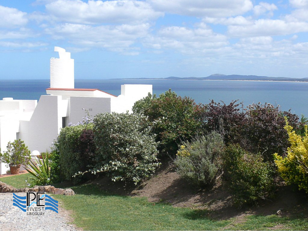 Punta Ballena with its houses overlooking the sea