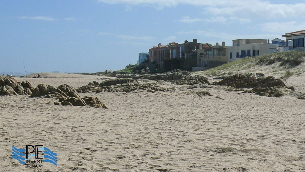 The first line of houses on the beach