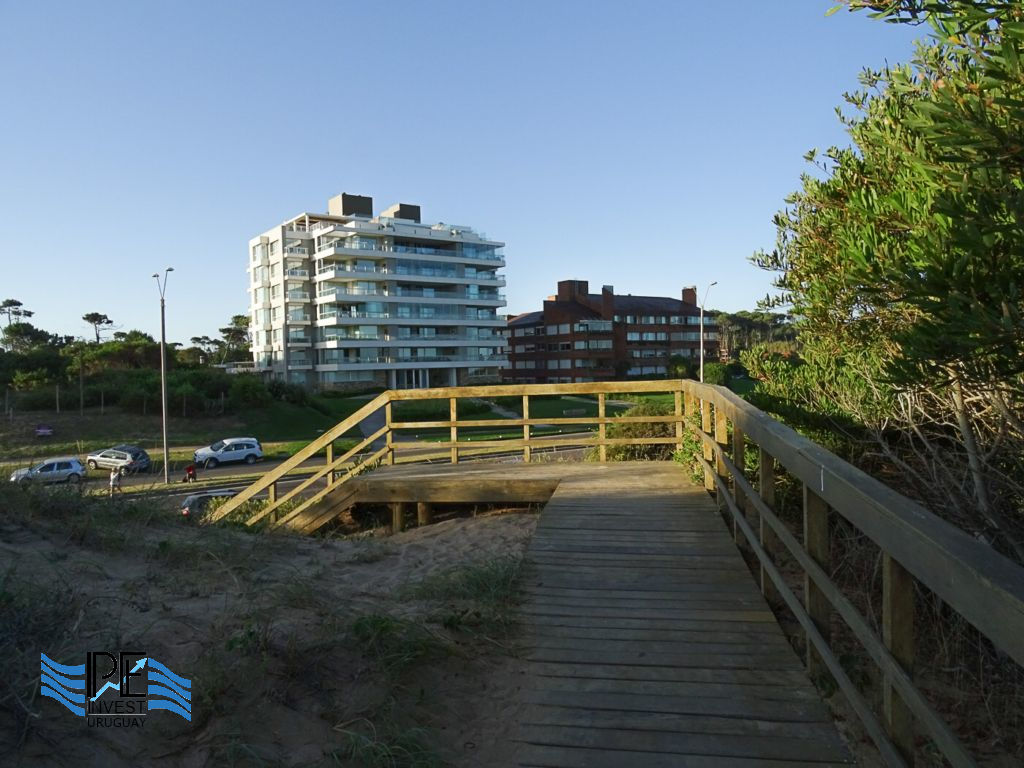 Access to the beach from the rambla in Rincón del