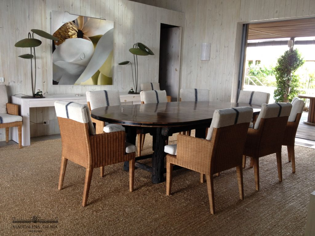 Finely furnished dining space